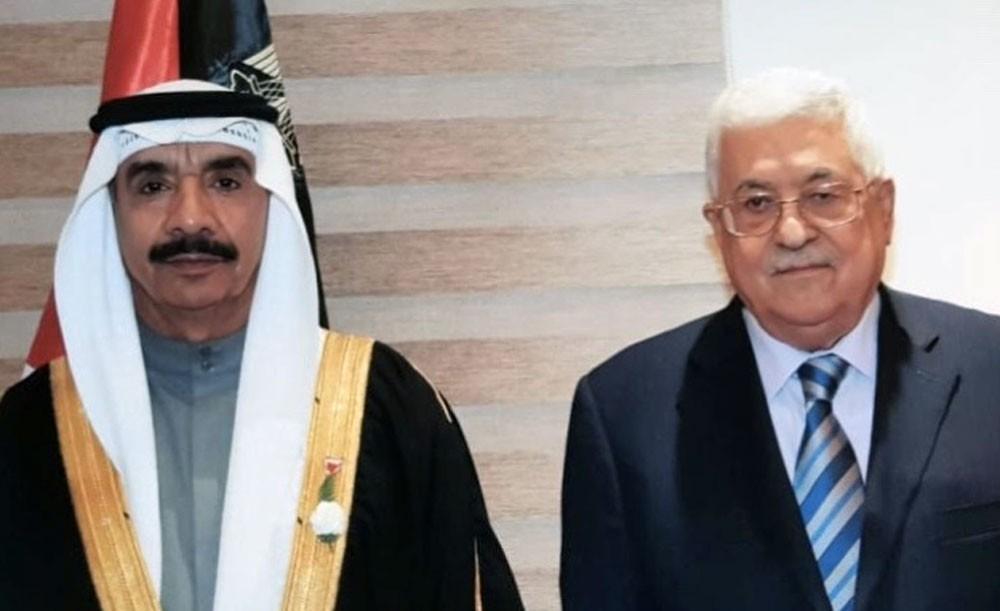 محمود عباس يتسلم أوراق اعتماد أحمد الرويعي كسفير غير مقيم