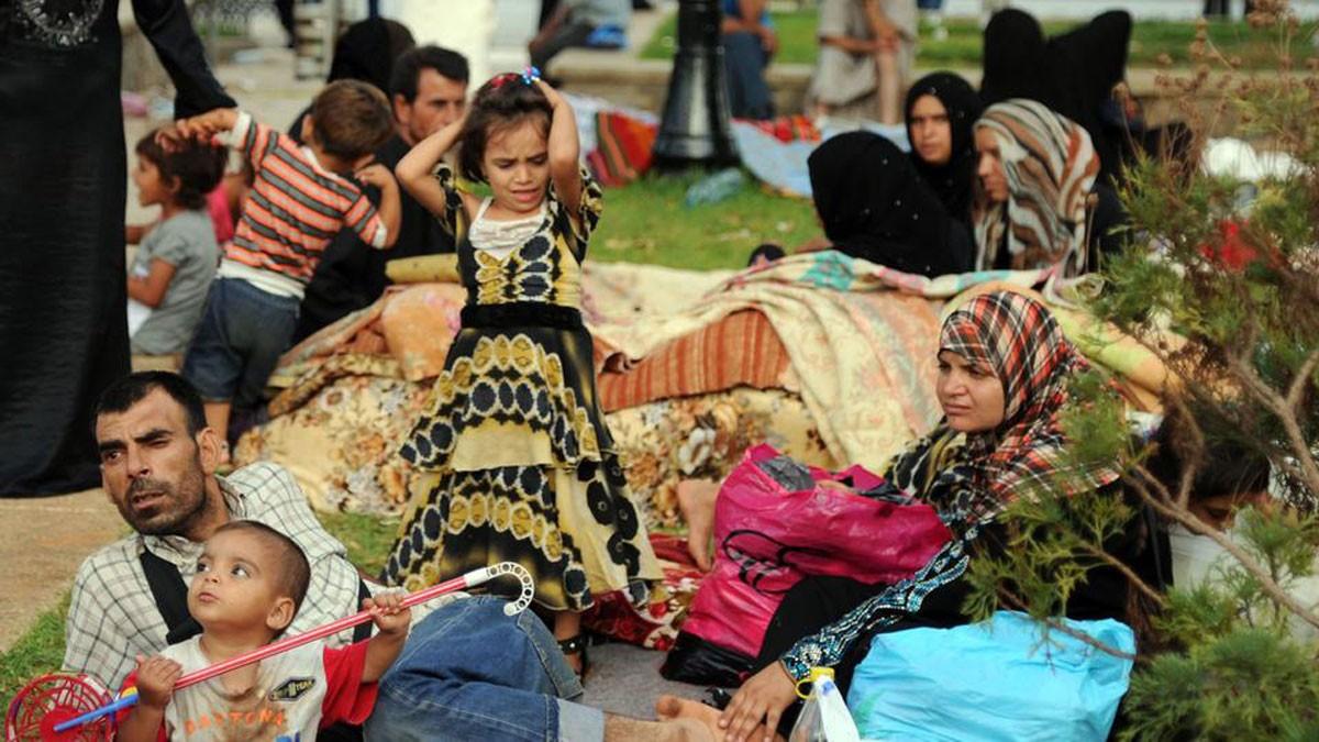 بعد غلق الجزائر حدودها.. قلق أممي على سوريين بالصحراء