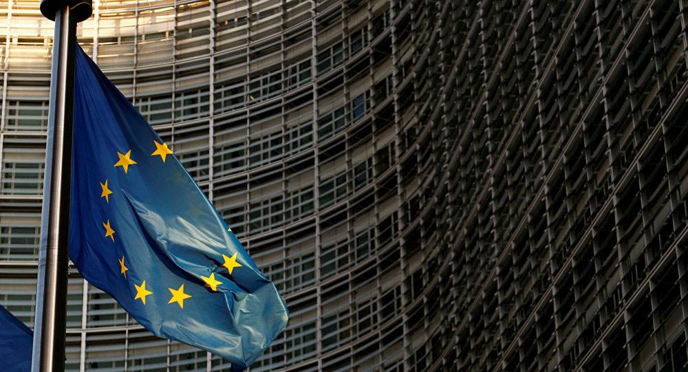 أنشطة منطقة اليورو تهبط لأدنى مستوى في خمسة أعوام ونصف