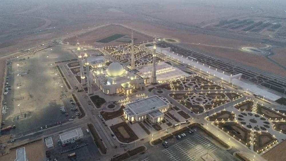 بالصور : أكبر مسجد في تاريخ مصر يفتتح قريباً