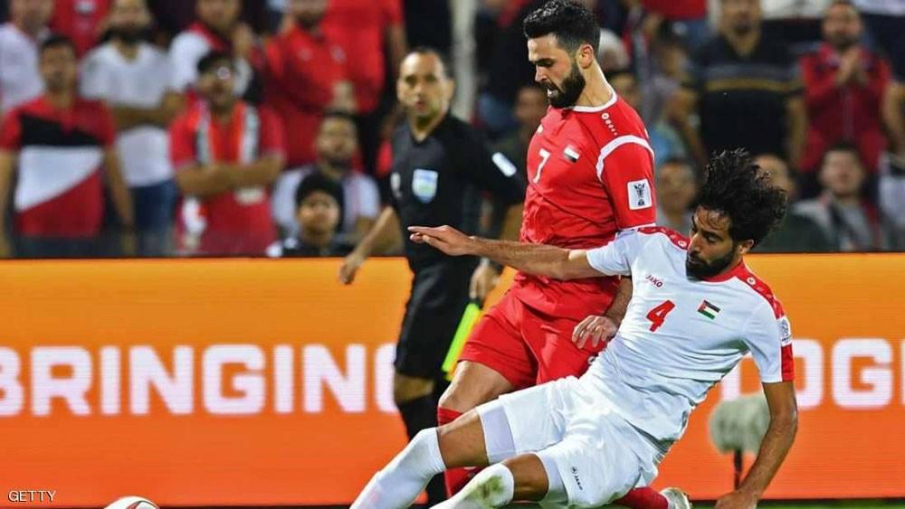 """كأس آسيا.. فلسطين تخطف نقطة """"تاريخية"""" من سوريا"""