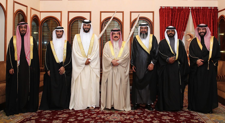 القعود يثمن استقبال جلالة الملك للفائزين بفارس الموروث