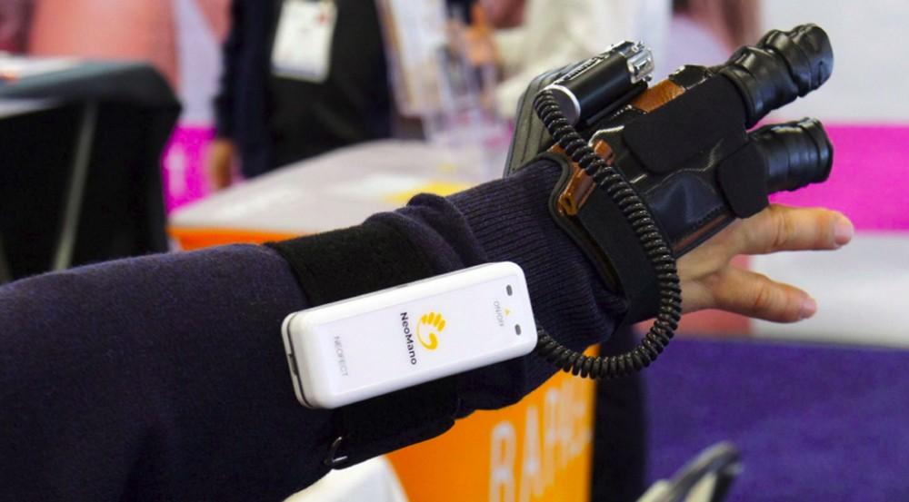 القفاز الآلي الخاص بـ Neofect جاهز تقريبًا لمساعدة المصابين بشلل اليد