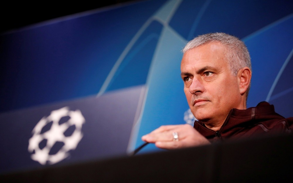 مانشستر يونايتد يحرر مورينيو بدفع تعويضاته