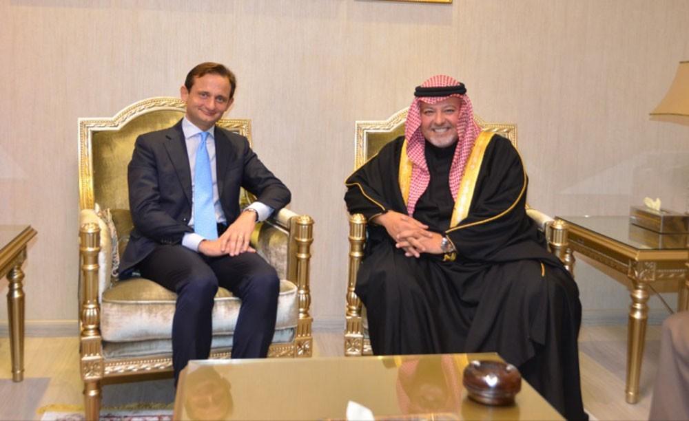 وزير العدل يستقبل السفير الإيطالي لدى مملكة البحرين