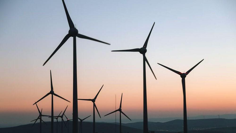السعودية ترسي أول مشروع لطاقة الرياح بـ500 مليون دولار