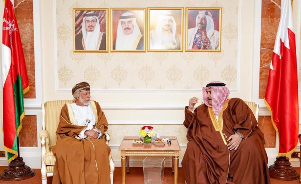 وزير الخارجية يجتمع مع وزير الشؤون الخارجية بعمان