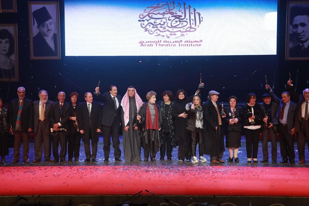 افتتاح مبهر وحضور جماهيري لافت لمهرجان المسرح العربي