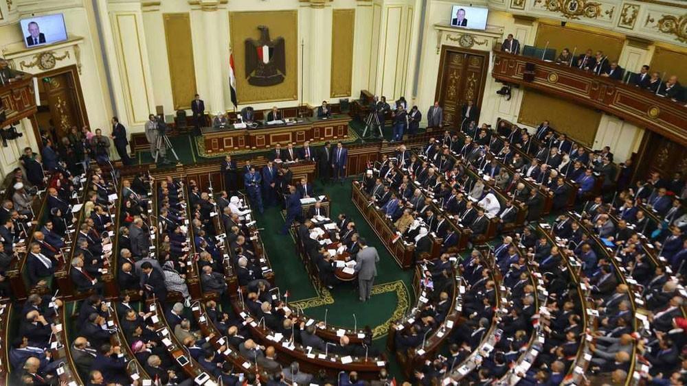 """مصر.. البرلمان يقر تمديد """"حالة الطوارئ"""""""