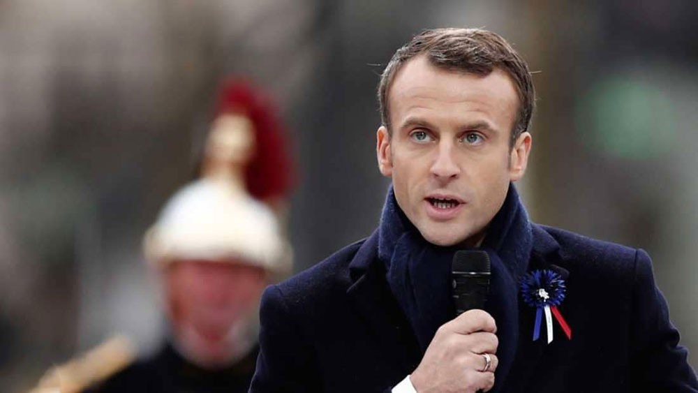 """بعد قرنين ونصف.. ماكرون يكرر """"خطيئة"""" لويس السادس عشر"""
