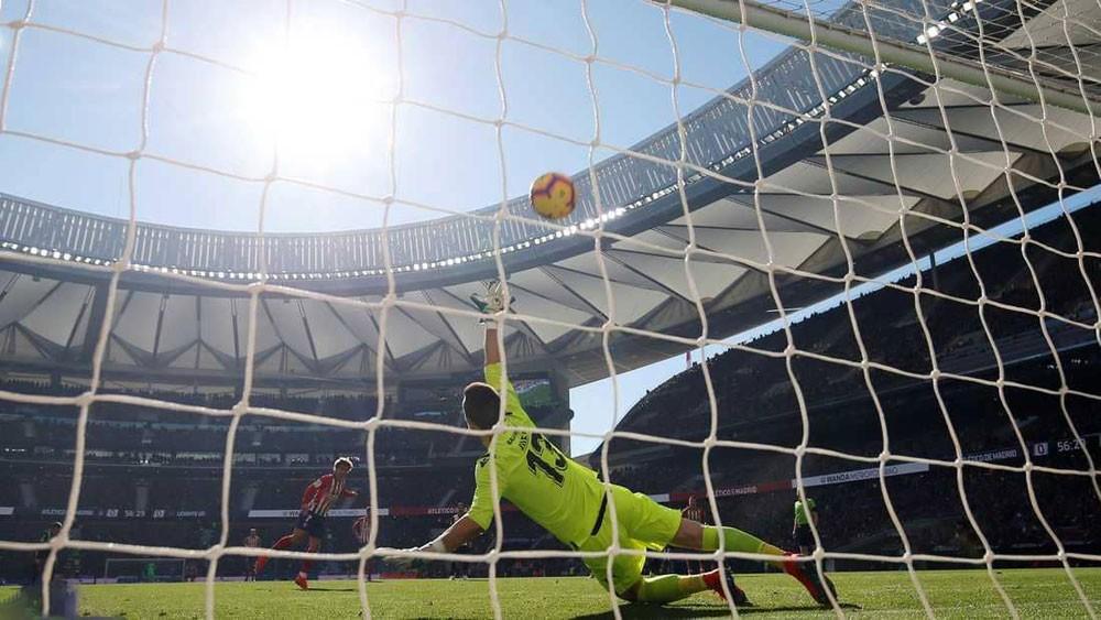 غريزمان يقود أتلتيكو مدريد للفوز.. ويضغط على برشلونة