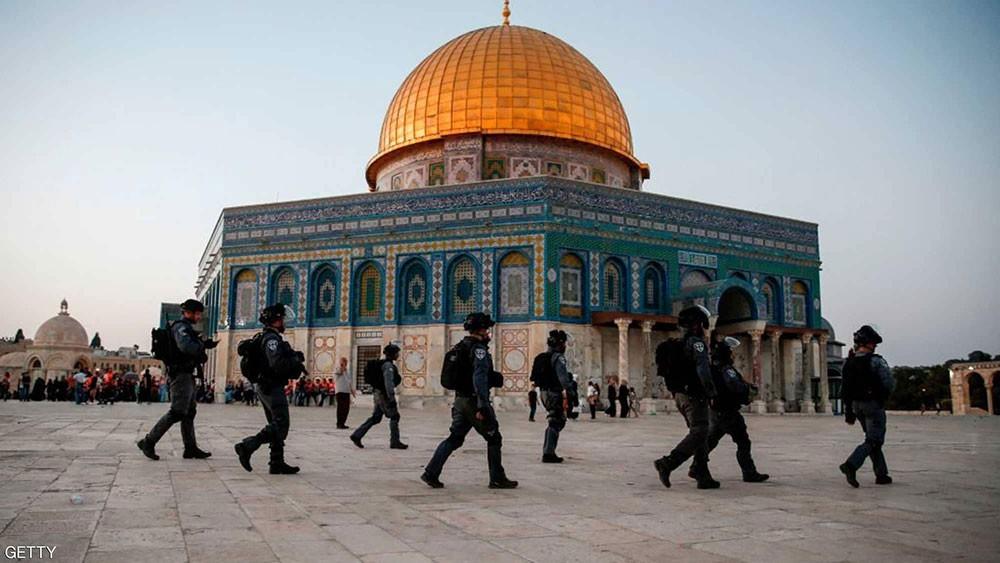 القوات الإسرائيلية تحاصر مسجد قبة الصخرة