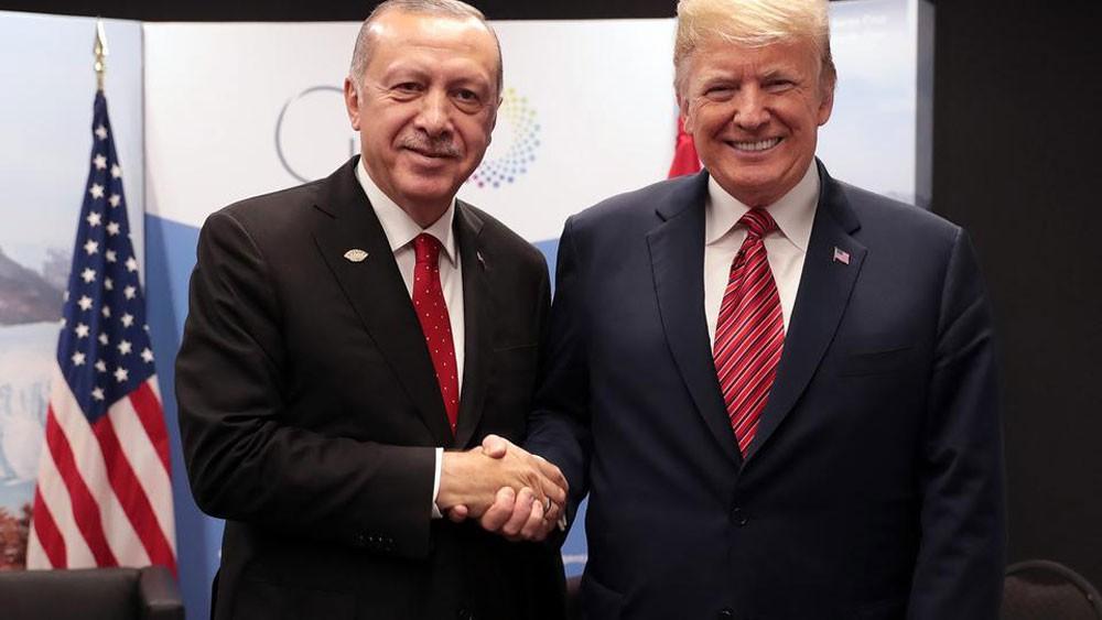 ترمب وأردوغان: لن نسمح بعرقلة انسحاب أميركا من سوريا