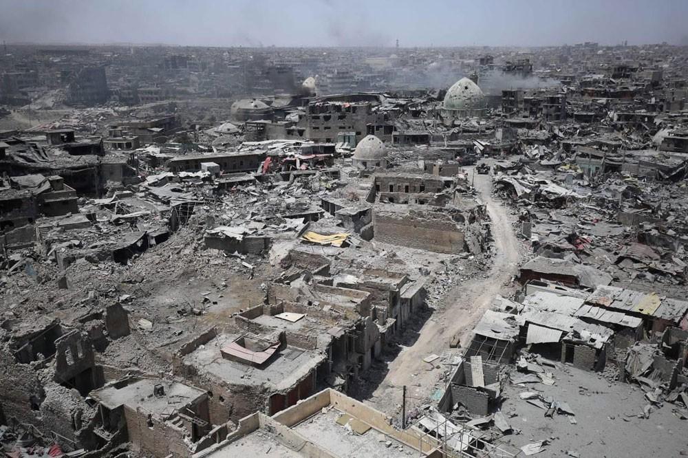 فرنسا تتعهد بمليار يورو لإعادة إعمار العراق