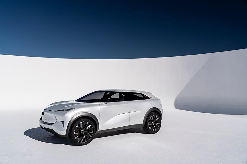 سيارة كهربائية من إنفينيتي تنطلق نحو المستقبل