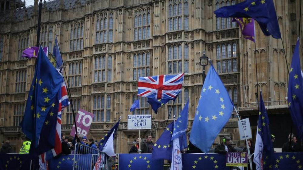 وزير: بريطانيا ستندم للأبد إذا خرجت دون اتفاق للانفصال