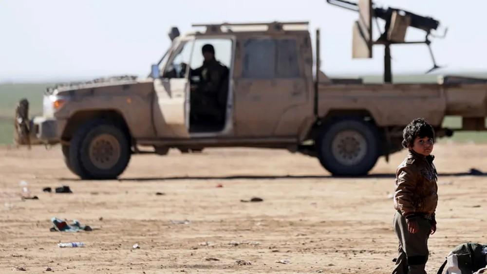 الحشد الشعبي يعلن إطلاقه 50 صاروخاً على داعش بسوريا