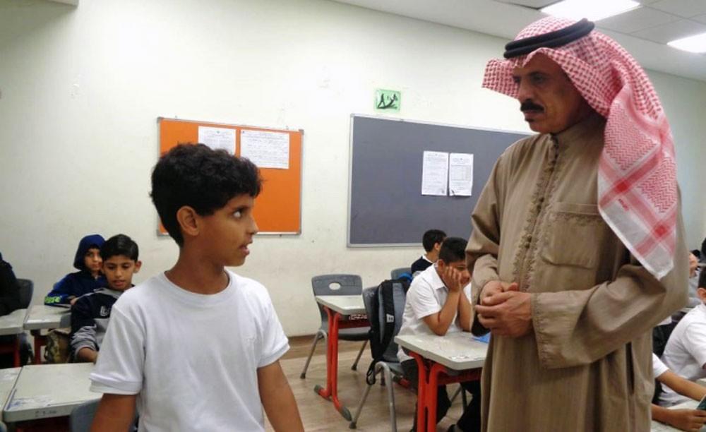 وزير التربية يتابع تفعيل حصص القراءة