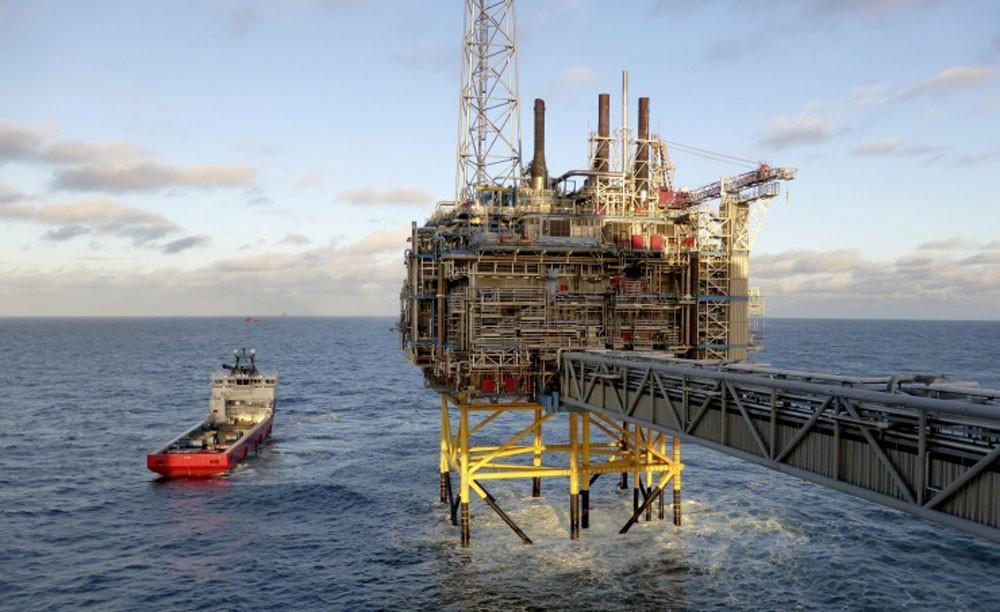 تراجع أسعار النفط وخام برنت يلامس حاجز 61,65 دولارا