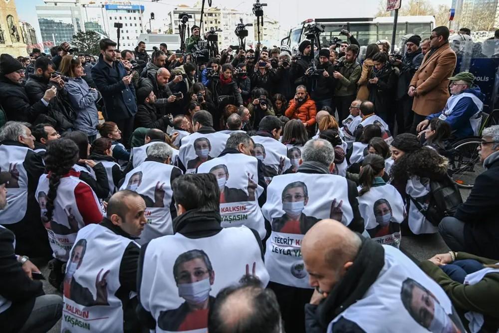 تركيا تمنع تظاهرة تضامنية مع النائبة المضربة