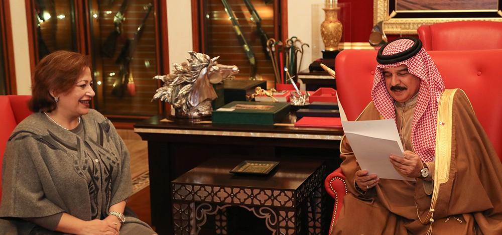جلالة الملك المفدى يتسلم دعوة من الرئيس المصري لحضور القمة العربية الأوروبية