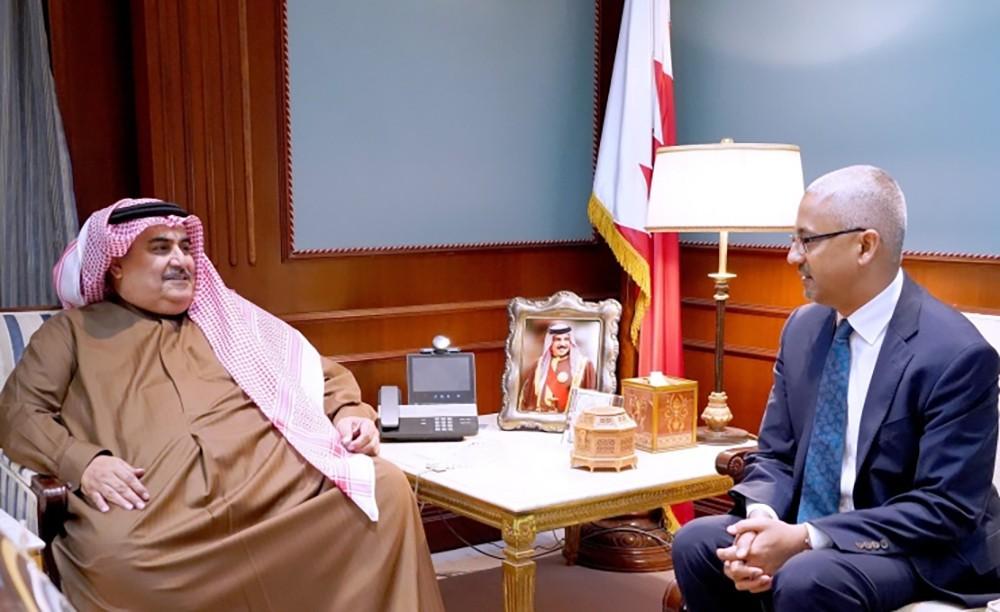 وزير الخارجية يستقبل سفير أستراليا ويسلمه مذكرة لإسترداد حكيم العريبي