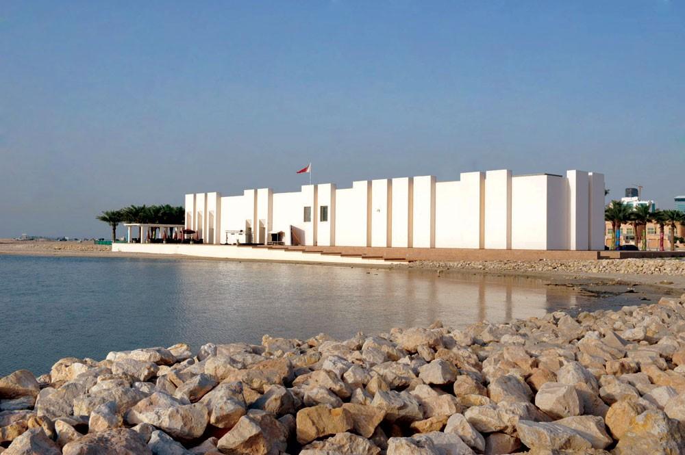 """محاضرة """"متحف اللوفر أبوظبي، تصور جديد للمتحف العالمي"""""""