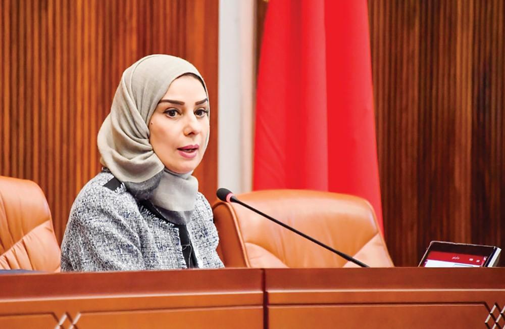 زينل تسأل وزير شئون الإعلام عن قانون عصري مستنير للصحافة