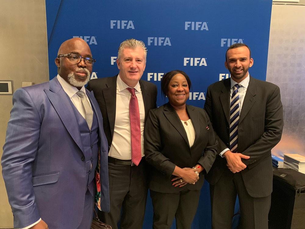 """رئيس اتحاد الكرة يشارك في اجتماع اللجنة المنظمة لمسابقات """"الفيفا"""""""