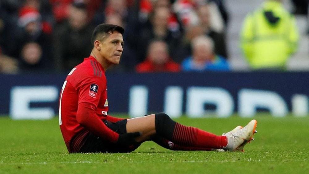 سانشيز يغيب شهرين عن مانشستر يونايتد