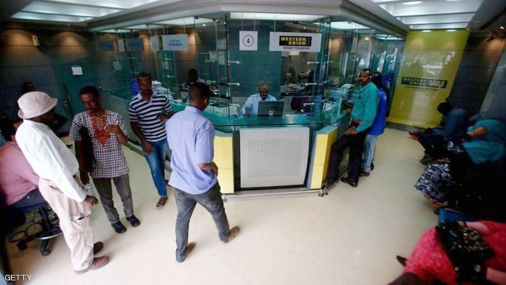 البشير يعين محافظا جديدا للبنك المركزي السوداني