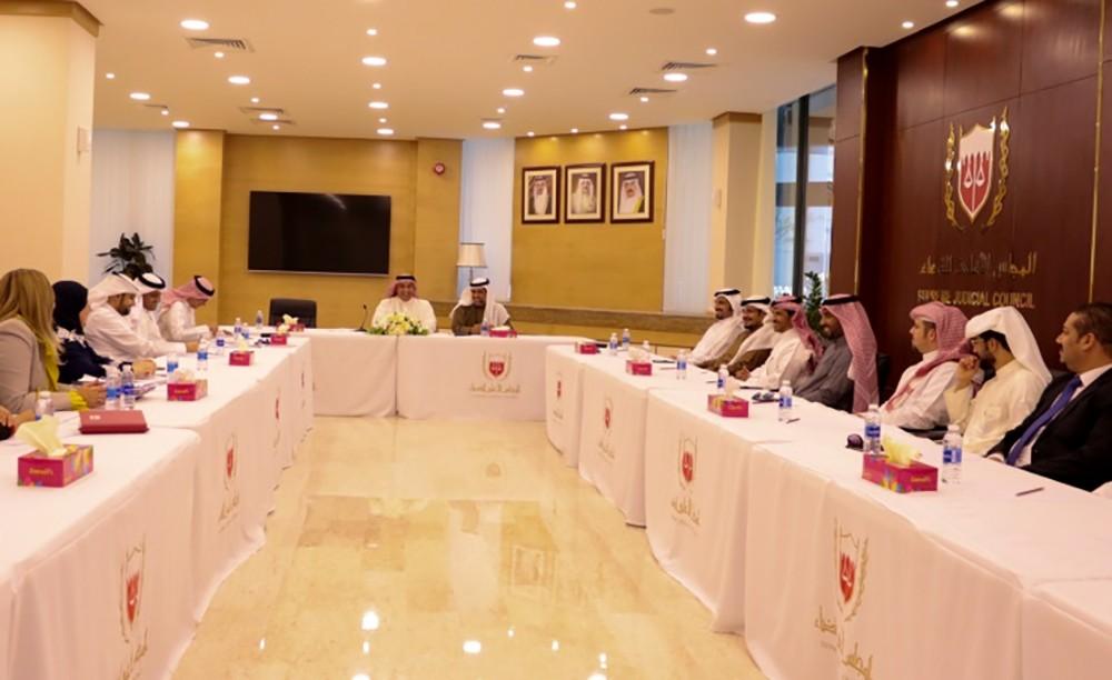 المجلس الأعلى للقضاء ينظم اجتماعا مع معهد الإدارة العام