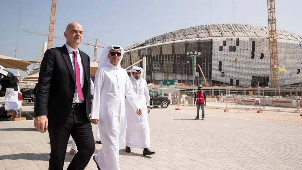 """صحيفة """"آس"""": مساحة قطر تقف عائقاً أمام طموحات إنفانتينو"""