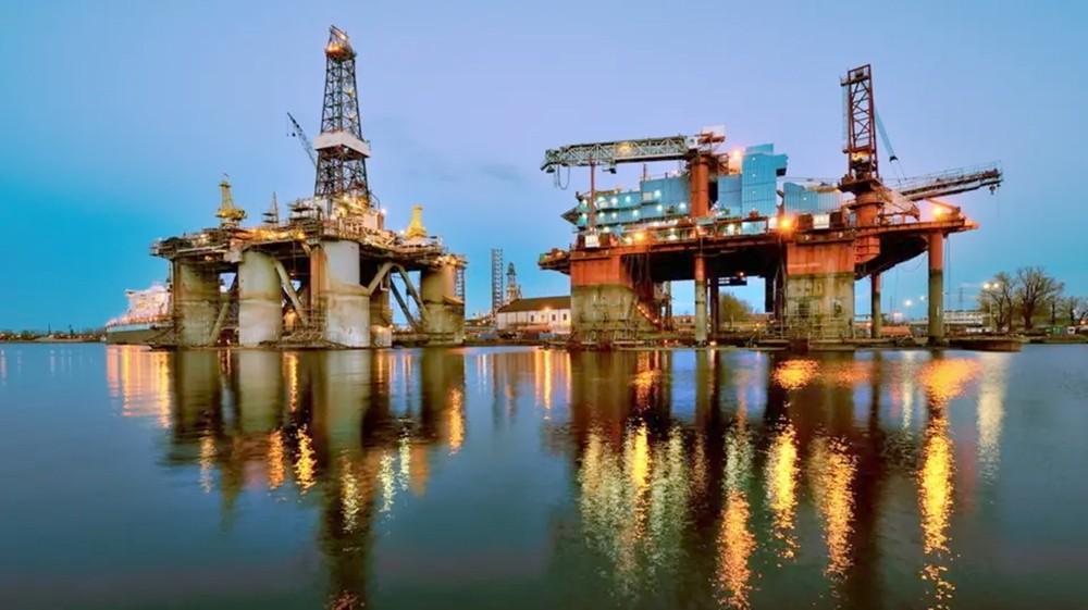 مخزونات النفط الأميركية تنخفض 2.6 مليون برميل بأسبوع