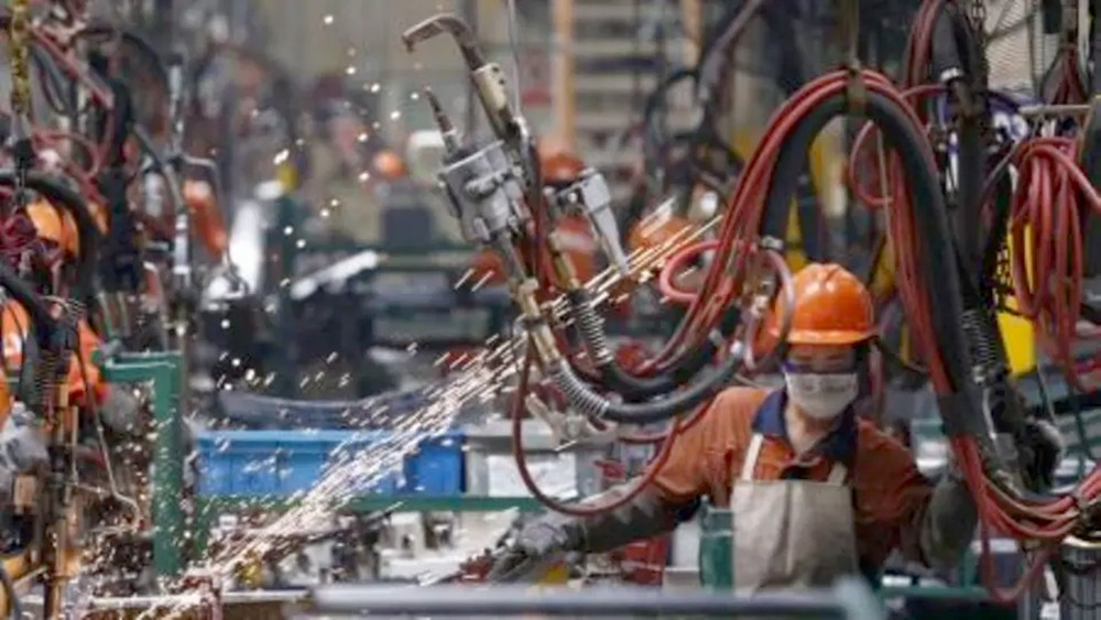 تباطؤ نمو الإنتاج الصناعي مع استمرار الحرب التجارية