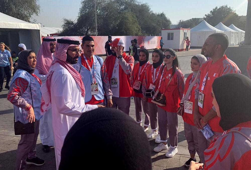 المؤيد يلتقي فريق البحرين التطوعي