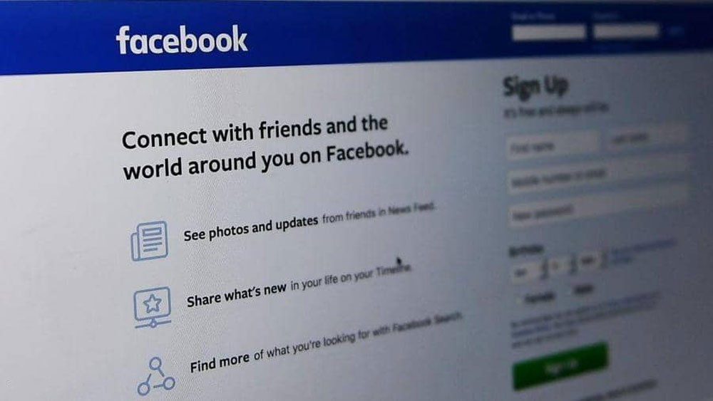 """فيسبوك تعلن انتصارها على """"الخلل التاريخي"""""""