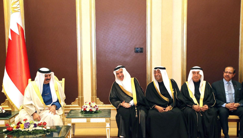 جلالة الملك يستقبل وفد رجال الأعمال البحرينيين