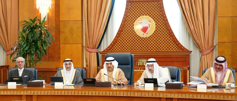 سمو رئيس الوزراء يوجه بدراسة تنفيذ 11 مشروعاً وخدمةً للمواطنين