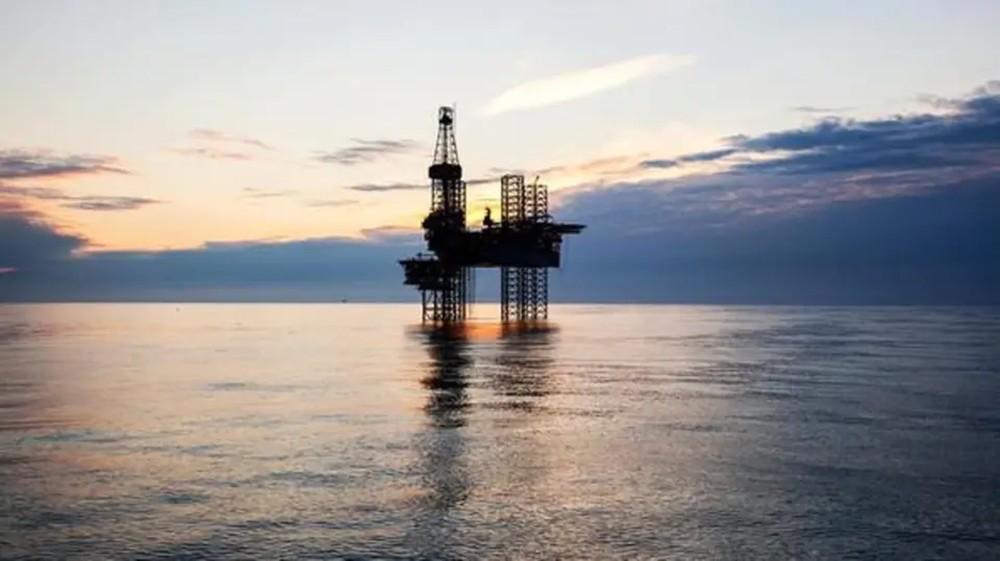 النفط قرب ذروة 2019 بفعل تخفيضات أوبك وعقوبات أميركا