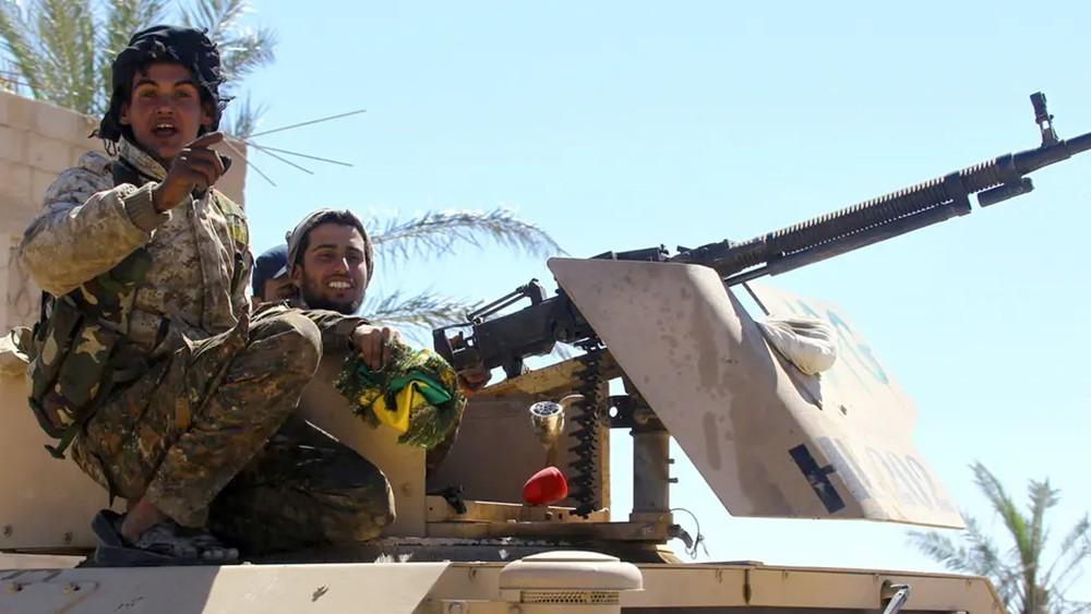 """""""قسد"""" تسيطر على مخيم يتحصن به داعش.. والاشتباكات مستمرة"""
