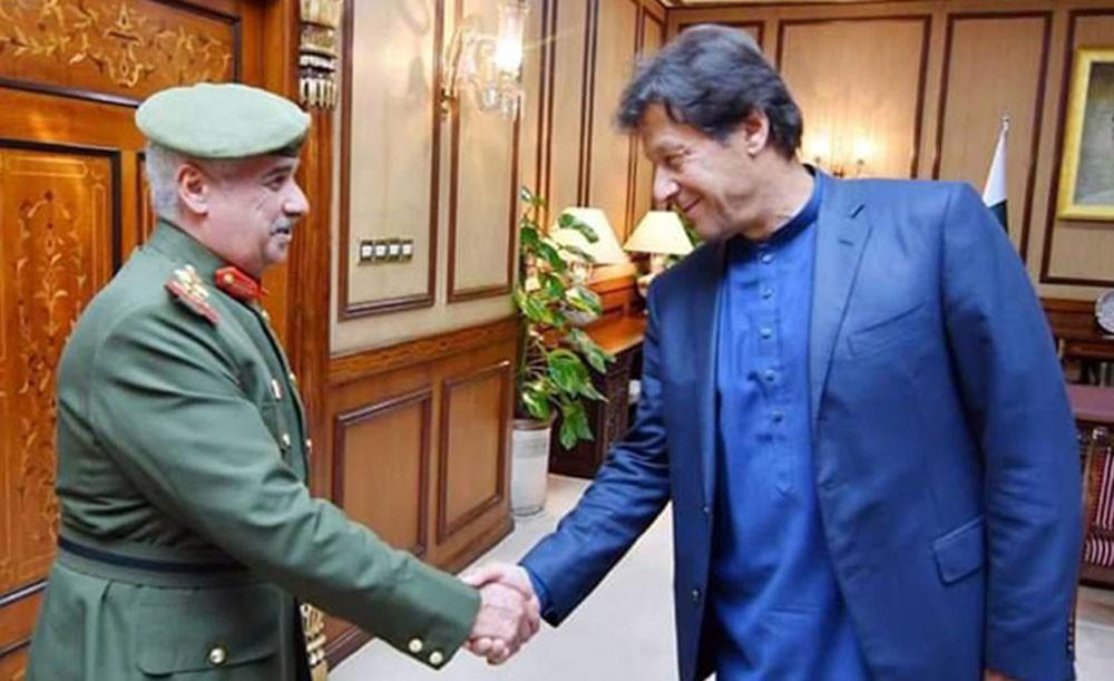 سمو رئيس الحرس الوطني يجتمع مع عمران خان رئيس وزراء باكستان