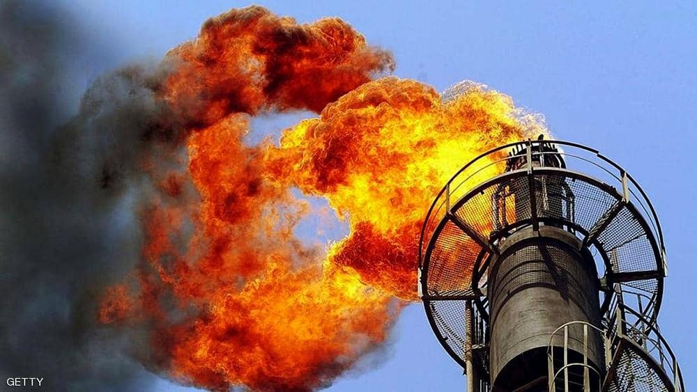 خفض الإمدادات يرفع سعر النفط وتباطؤ الاقتصاد يعرقله