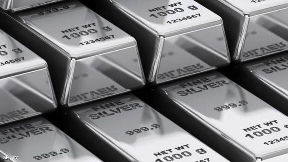 البلاديوم إلى مستوى قياسي جديد.. والذهب يتراجع