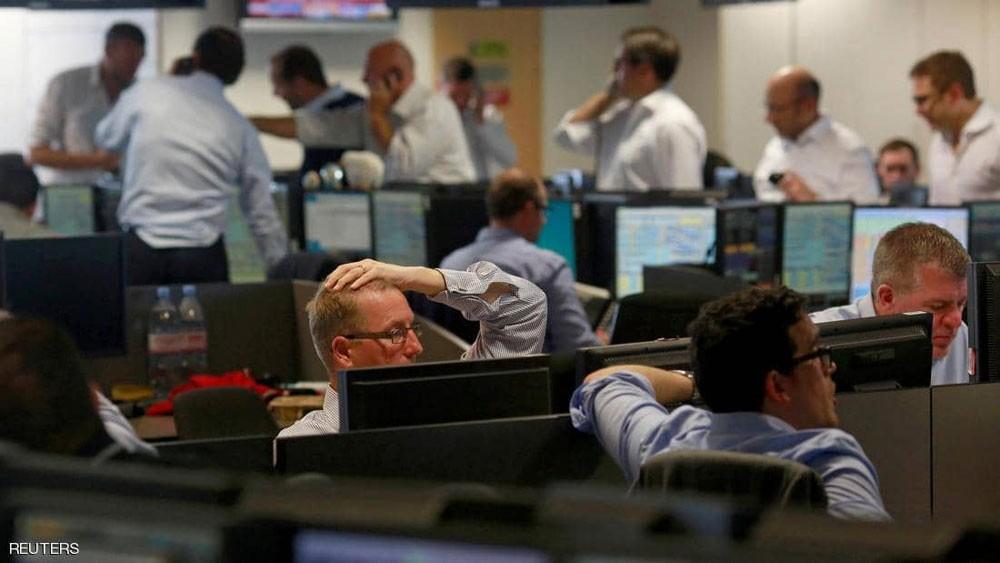 الأسهم الأوروبية تتراجع عن أعلى مستوى في نصف عام
