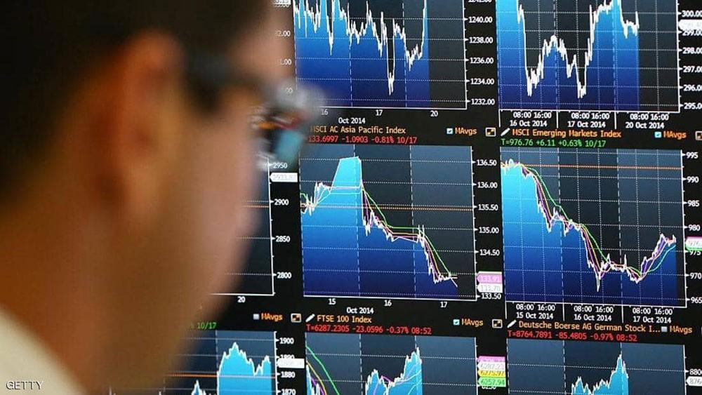 """التباطؤ يعصف بالاقتصاد العالمي.. وخبراء يحذرون من """"فجر زائف"""""""