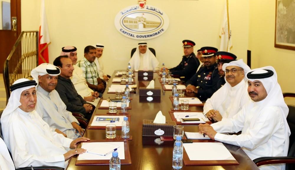 اللجنة الأمنية بمحافظة العاصمة تبحث الاحتياجات الأمنية لـ جدحفص