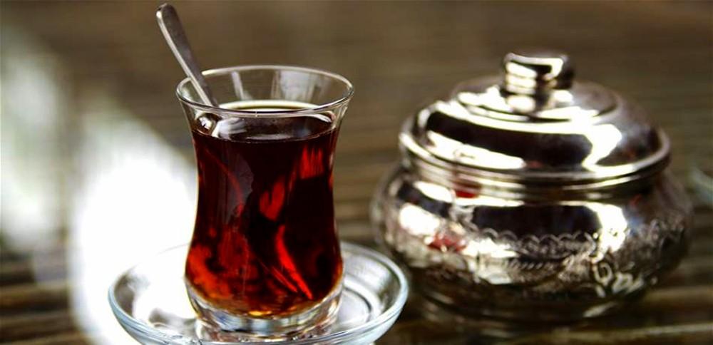 خطر قاتل للشاي الساخن.. احذروه!