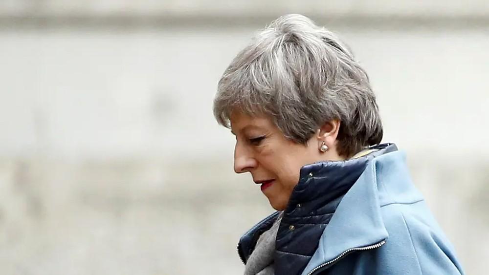 """بريطانيا.. مؤامرة وزارية للإطاحة بماي و""""النهاية وشيكة"""""""