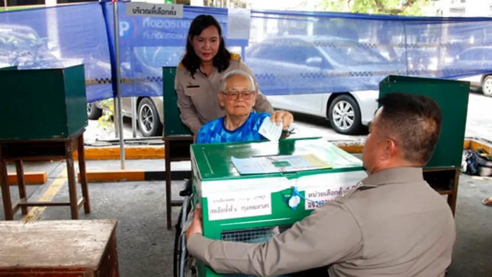 بدء التصويت في أول انتخابات بتايلاند منذ انقلاب 2014
